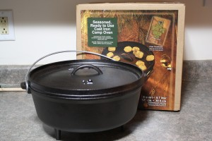 Lodge Logic 6 quart preseasoned cast iron dutch oven